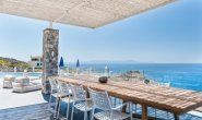 Villa Penelope by the sea near Pavlos Beach welcomes 12 guests easily with complete seaside frontage.