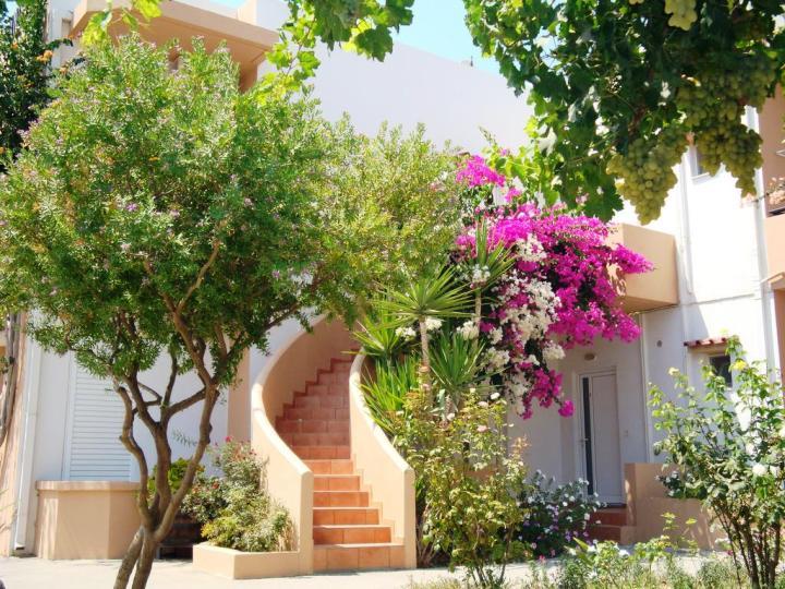 Yannis Apartments - outside