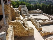 Knossos Ruins (image by Phileole)