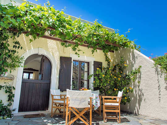 Jasmine House near Sitia will be your home away from home