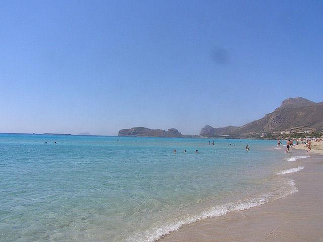 Φαλάσαρνα with clear azure waters (Image by Taver)