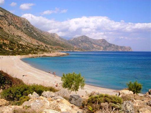 Gialiskari Beach - photo by Elisabeth