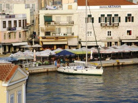 Ermoupolis Harbour on Syros, you can learn Greek here with Omilo