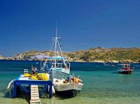 Agia Pelagia bay is a combination of beautiful colours because of the sandy sea floor