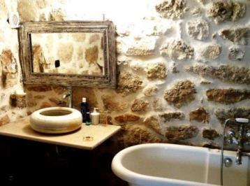Traditional Cretan Lodge, Agios Miron, bathroom detail