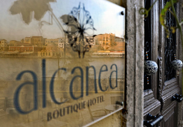 We suggest Alcanea Boutique Hotel on the harbour of the old town in Chania