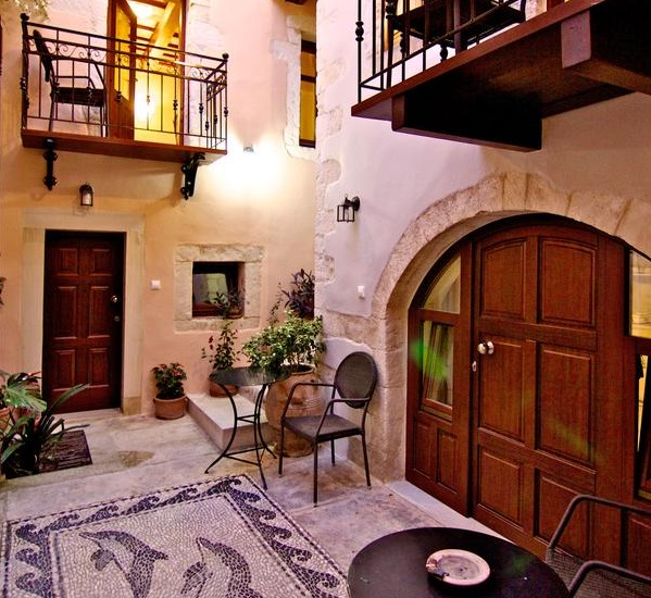 Casa dei Delfini is a little gem in the narrow old streets of Rethymnon