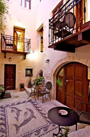 The Casa dei Delfini small hotel is within the walls of the Old Town of Rethymnon