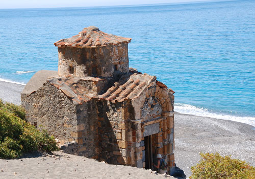 Agios Pavlos Chapel on the south coast (image by Anne Deckel of Aori Walks)