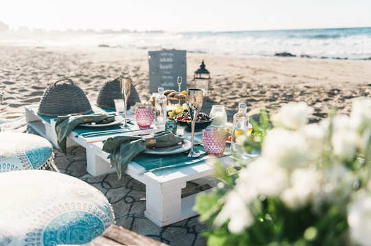 Crete for Love created this magical surprise engagement picnic on a sandy beach in Crete (image by Andreas Markakis)