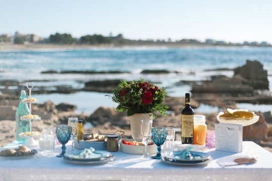 A beach engagement picnic created by 'Crete for Love' (image by Andreas Markakis)