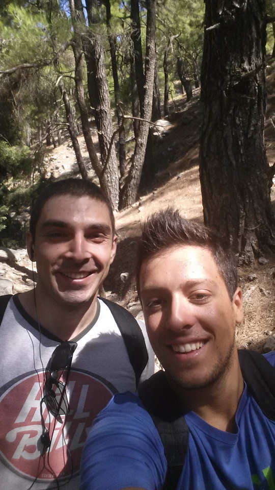 Gianni escorts a traveller on a hiking walk in Samaria Gorge