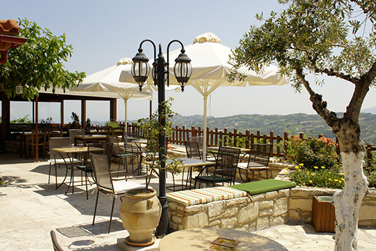 Earino in Kato Asites has a wonderful view from the restaurant and suites