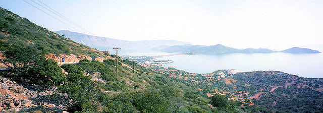 View over the bay (image by Robert Linsdell)