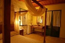 Enagron House - interior of bedroom