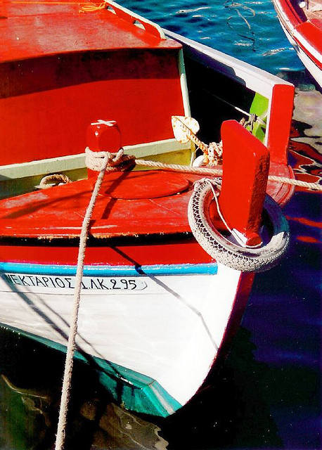 Colours of Fishing Boat (Image by Green Manalishi)