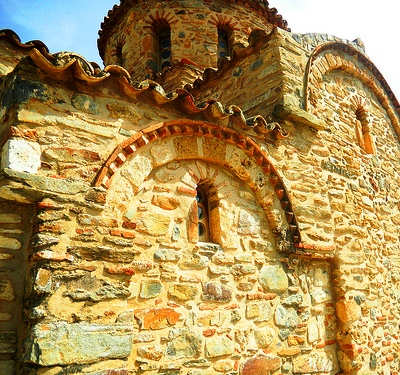 Byzantine church of Agia Panagia - rock wall detail (image by Elisa Triolo)