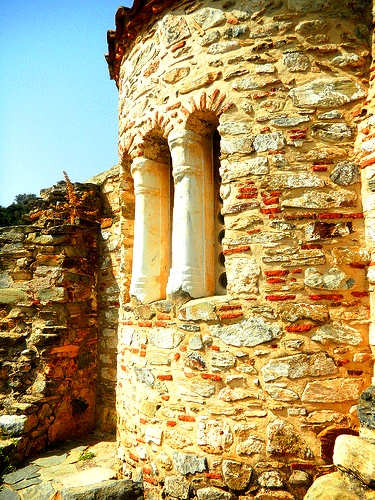 Byzantine church of Agia Panagia - rock and window detail (image by Elisa Triolo)