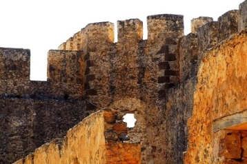 Ruins of Venetian castle of Φραγκοκαστελλο (image by Michael Brys)
