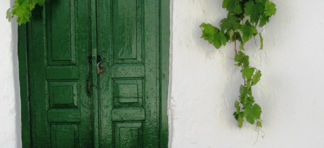 Detail of green door, Mykonos Chora