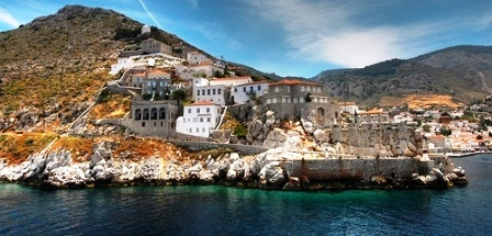 Arriving by ferry - terracotta rooftops and grey stone mansions (Image by Shane Gorski)