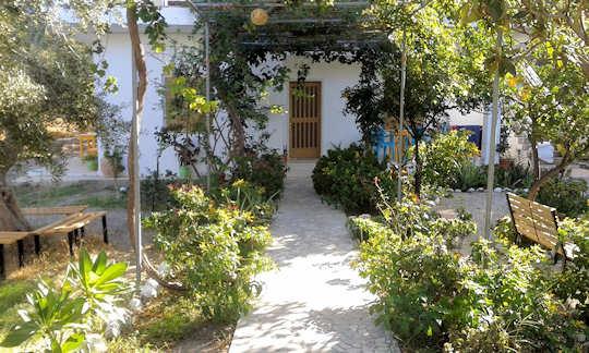Kampos Rooms - Greek hospitality and shady garden near the beach in Paleochora