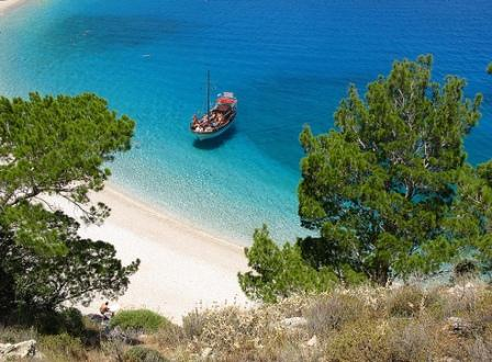 Karpathos Island Greece (image by Ufoncz)
