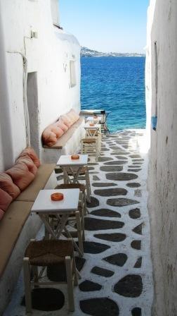 Kastro Bar, little lane way to the sea