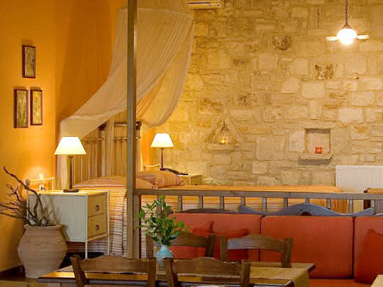 Katalagari Country Suites - a traditionally styled hotel near Archanes in Crete