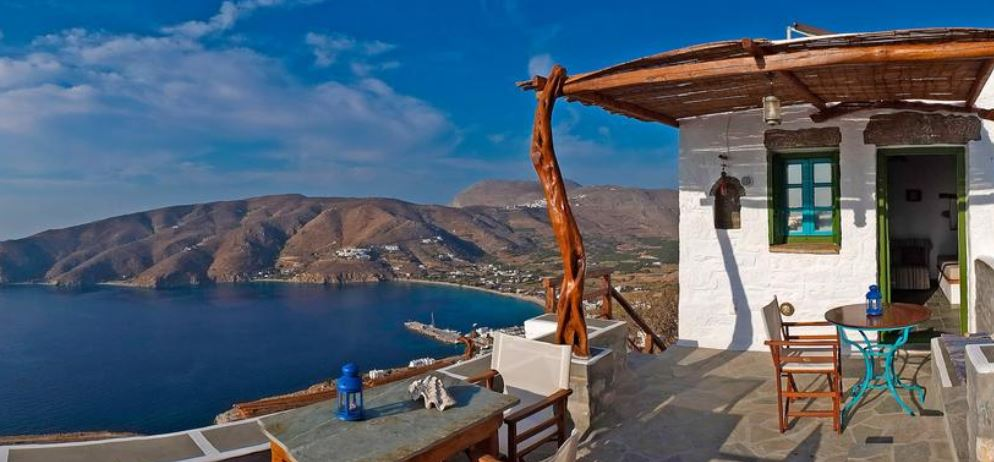 Pano Gitona - Aparthotel looks over Katapola in Amorgos