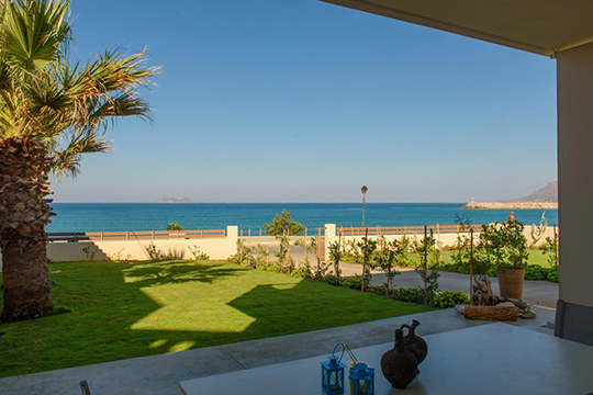 Lidia Beach Suites - walk to local tavernas