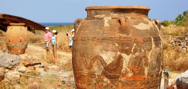Large pithos jars reconstructed at Malia Palace, Crete Greece (photo by Alexander Baranov)