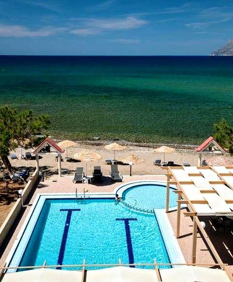 Mesogios Beach Hotel on the beach at Kissamos