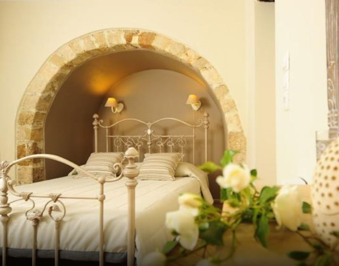 Mythos Suites are restored 16th Century Venetian homes, right in the heart of the old town of Rethymnon, Crete