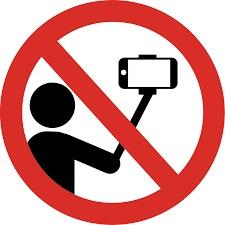 We Love Crete is a No Selfie Zone