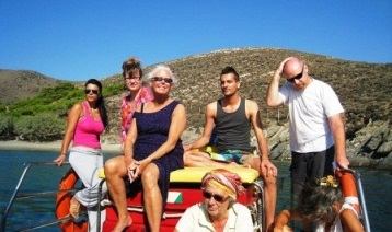 Boat trip on a day without classes - Syros