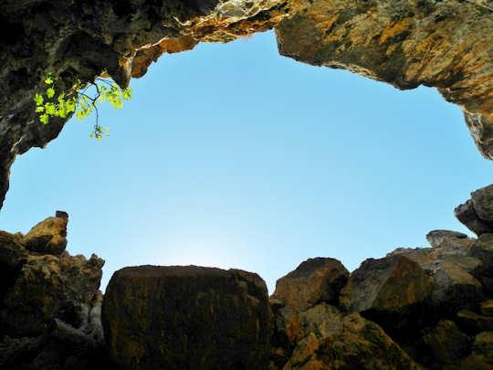 Pelekita Cave (image by Mark Latter)