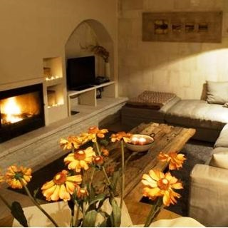 Pezoulia Mountain Cottages - interior lounge room