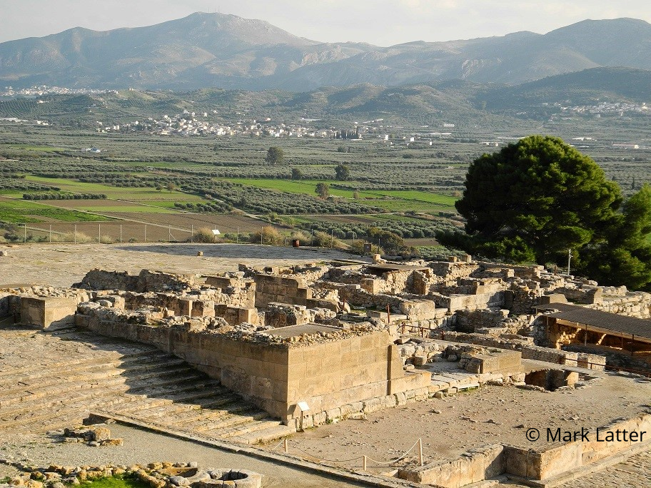 Phaistos in the Messara Valley (image by Mark Latter)