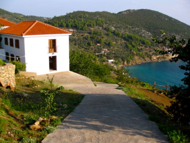 The location of Skopart Studio overlooking the sea inspires creativity
