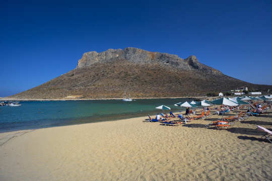 Stavros Beach is perfect for young children