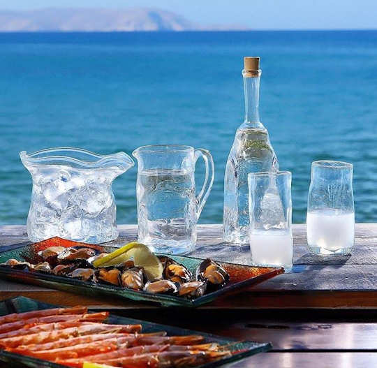Tarrha Glass - handmade jug, decanter, glasses and ice bucket with mezedes by the sea in Crete