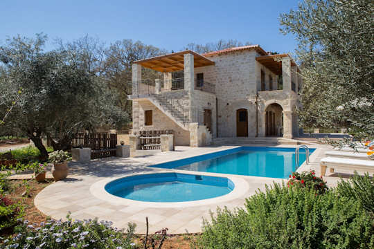 Each villa at Vederi Estate has a private pool