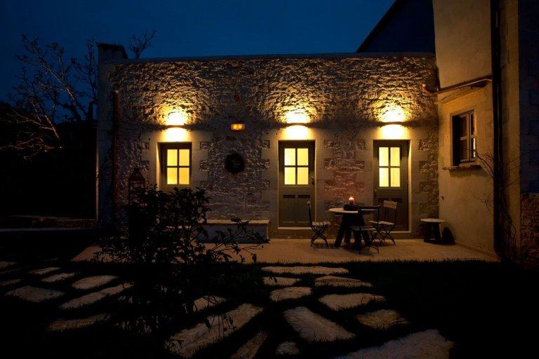 Villa Athermigo courtyard at dusk