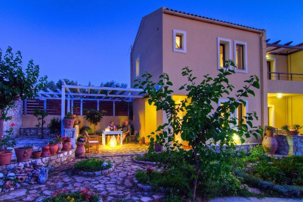 Villa Mitos is located in western Crete, 65 km from Chania International Airport CHQ.