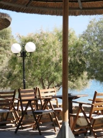 Azolimnos - Senso Bar overlooking the bay