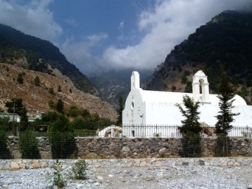 Walking up from the village into Samaria Gorge
