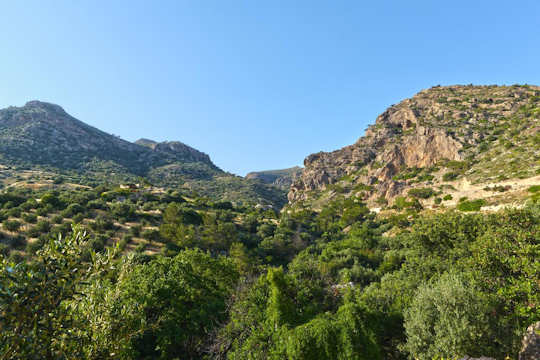 Beautiful relaxing natural spaces around Aspros Potamos traditional village