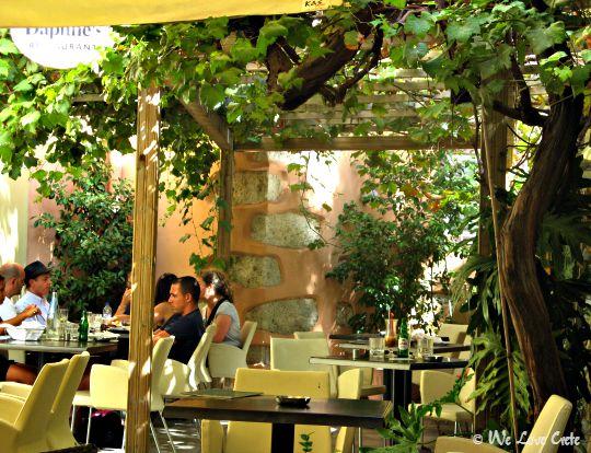 Dafnes Restaurant in Plaka