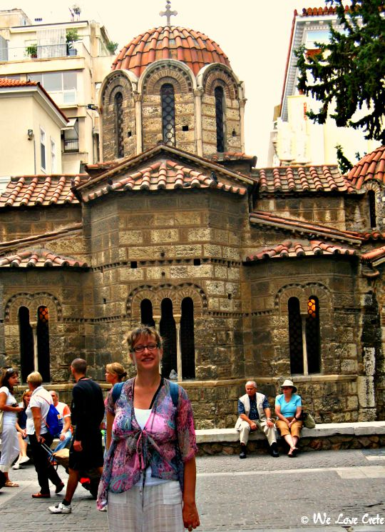 Ermou Street - chapel from 11th Century - Εκκλησία της Παναγίας Καπνικαρέας